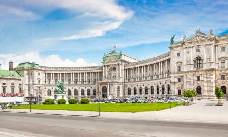 Famous Hofburg Palace with Heldenplatz in Vienna, Austria Stock Photo - 21417235