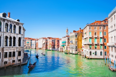 rialto bridge: Scenic view of Canal Grande in Venice, Italy as seen from Rialto bridge