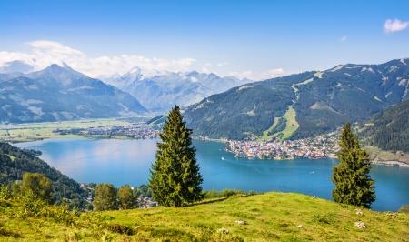 Beau paysage avec les Alpes et Zeller See à Zell am See, Salzbourg, Autriche Banque d'images