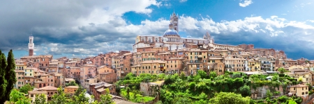 toscana: Beautiful view of the historic city of Siena, Italy
