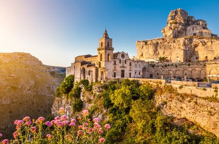 일출, 바실리카, 남부 이탈리아의 마 테라의 고대 도시 스톡 콘텐츠