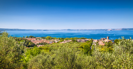 crater lake: Panoramic view of Lake Bolsena, province of Viterbo, Lazio, central Italy