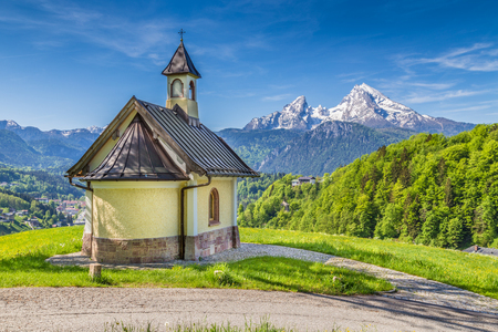 berchtesgaden: Beautiful view of famous Chapel at Lockstein with mount Watzmann in the background, Berchtesgaden, Nationalpark Berchtesgadener Land, Bavaria, Germany