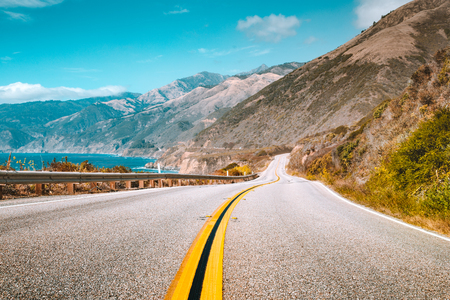 Scenic view of world famous Highway 1 with the rugged coastline of Big Sur Banco de Imagens