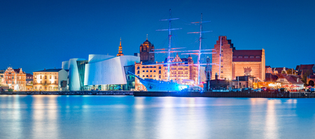 Classic panoramic view of the hanseatic city of Stralsund during blue hour at dusk, Mecklenburg-Vorpommern, Germany Stock fotó