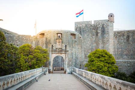 Panorama view of famous Dubrovnik Pile Gate (Old Town Gate) in beautiful morning light at sunrise, Dalmatia, Croatia 新闻类图片