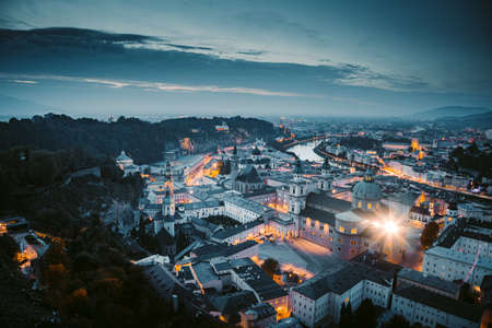 Classic twilight view of the historic city of Salzburg during blue hour at dusk in summer, Salzburger Land, Austria 免版税图像 - 151160703
