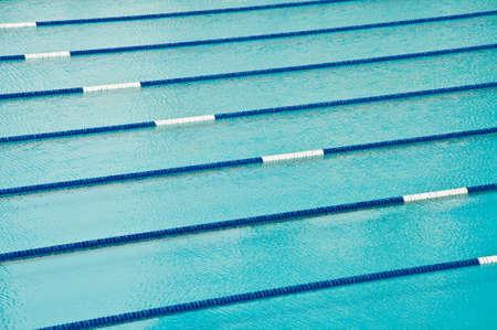 piscina olimpica: Piscina Foto de archivo