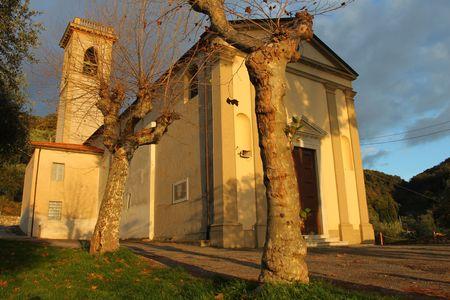 tuscana: Old italian chapel Stock Photo