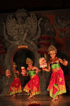 ubud: UBUD, INDONESIA - JULY 31: Balinese traditional dancing performanceLegong on July 31, 2011 in Ubud, Indonesia Editorial