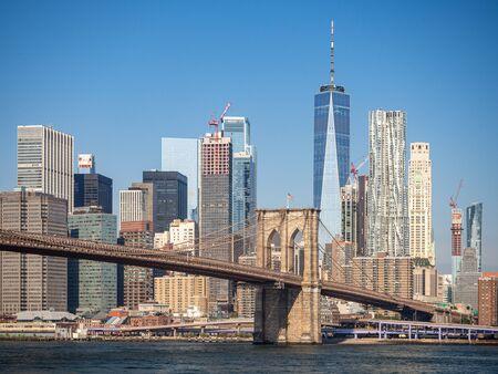 Brooklyn bridge, New York, USA [ Brooklyn bridge architecture with panoramic view of New York City and lower Manhattan, One World Trade Center ] Sajtókép