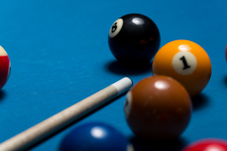 upperdeck view: Pool Table con le palle e Cue Stick