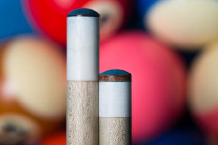 Einsatzzeichen: Snooker und Billard Queues Lizenzfreie Bilder
