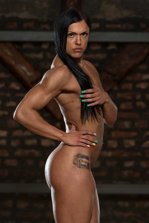 Sexy Junge Frau Nackt Zeigen Ihre Trainierter Körper Lizenzfreie