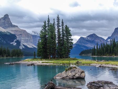 island: Spirit Island, Lake Magligne, Jasper National Park, Alberta, Canada Stock Photo