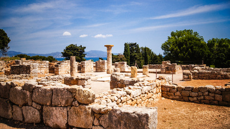 ロサス湾、カタルーニャ、スペインの Ampurias (エンプリエスがあります) のグレコローマンの考古学的なサイト。 写真素材 - 38730100