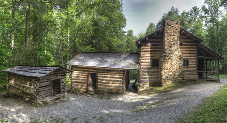 great smoky mountains national park: Elijah Oliver Log Cabin located in Cades Cove Area of the Great Smoky Mountains National Park, Tennessee.  Public Property no Property Release required.