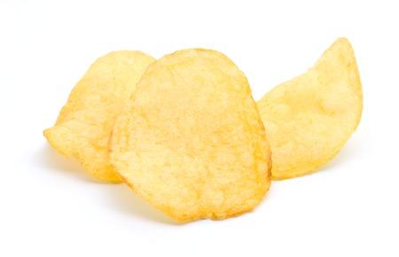 흰색 배경에 고립 된 노란색 칩 감자 스톡 콘텐츠