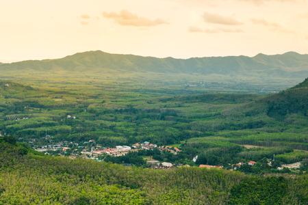 Blick sieht das Dorf Form südlich von Thailand Standard-Bild - 80392168
