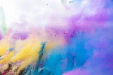 vibrant colors fun: Holi festival, India, colore laterale polvere