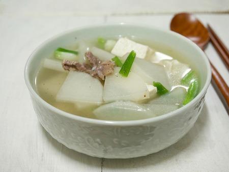Koreaans eten Rundwormenradijsoep Stockfoto