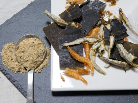 Dried seafood, dried anchovies, and kelp, Powder for soup