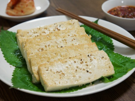 Korean food tofu dipping