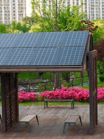 Rest facilities equipped with solar panels, Korea Cheongju City Banque d'images - 100602573