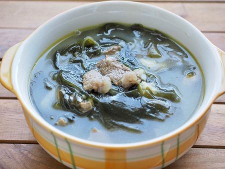 Soupe coréenne aux algues au bœuf, Miyeok-guk