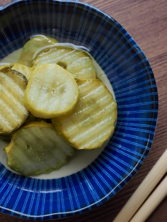 side dish Cucumber pickle and chopsticks Stockfoto