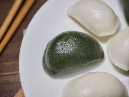 Korean food Songpyeon, half-moon-shaped rice cake 免版税图像