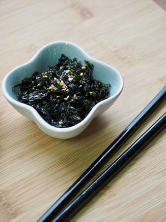 Korean dried laver in a bowl 스톡 콘텐츠