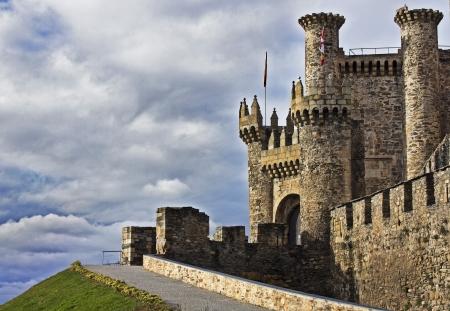 knights templar: Medieval Templar Castle of year 1178 in Ponferrada, Spain Editorial