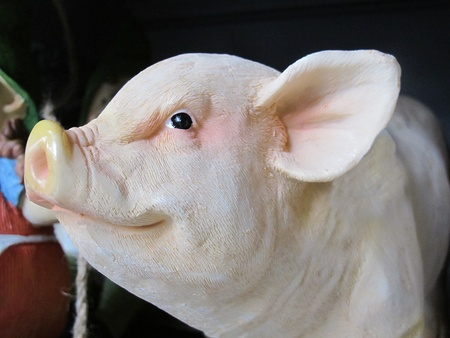 sculpture of a pig photo