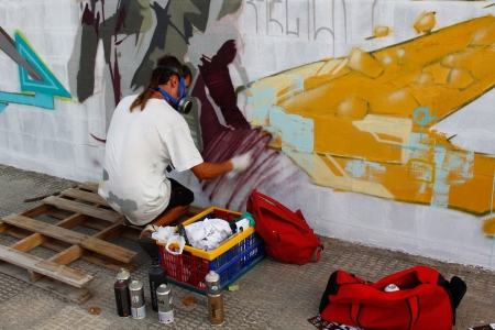 Madrid, SPAIN Sep 18 - graffiti artists work on their creations to the public during the festival - Graffiti and Dance  first festival, Aqui huele a pintura ,Spain September 2012 Stock Photo - 15337421