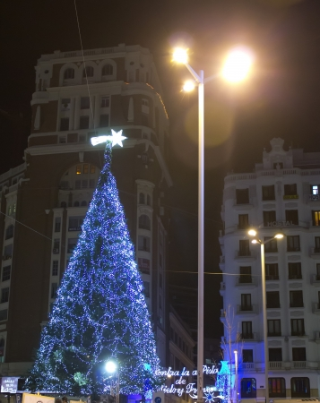 Modern Christmas tree lights