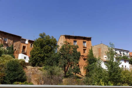 drimmelen: Houses of mud and cement farming village in Ibdes, Spain