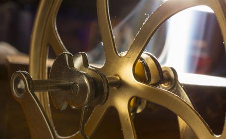 poleas: cig�e�ales y poleas de maquinaria en ruedas de bronce