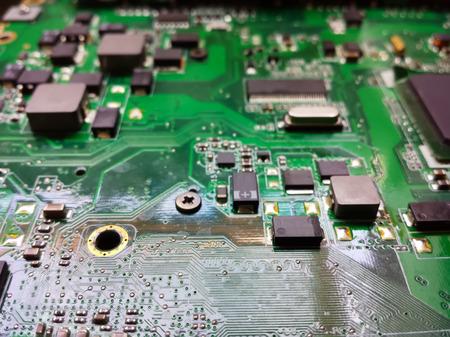componentes: circuitos y componentes Eletronicos construcci�n moderna