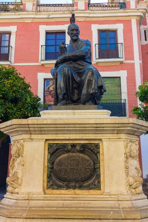 bronze statue of Ivan Martinez Montanes Editorial