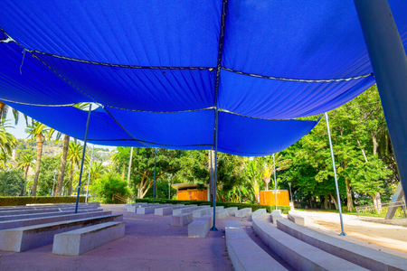 awnings: awnings and parasols for bleachers
