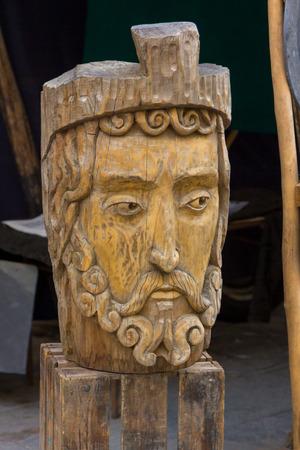 escultura romana: escultura romana de una cabeza de madera