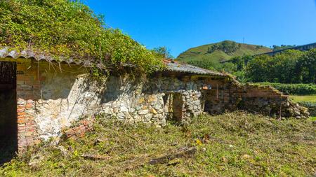 abandoned farmhouse abandoned farmhouse: Old abandoned farmhouse in ruins Stock Photo