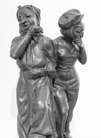 sculpted: Senior statue sculpted in bronze