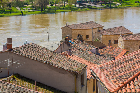 River duero on your way through the city of Zamora