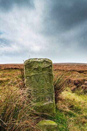 An ancient boundary marker. Ilkley moor Stockfoto