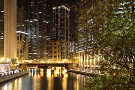 michigan avenue: Chicago at Night - looking west up the Chicago River from Michigan Avenue.