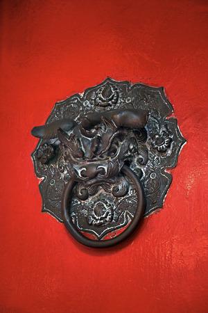 tocar la puerta: Hermosa cl�sico de Knock puerta del le�n