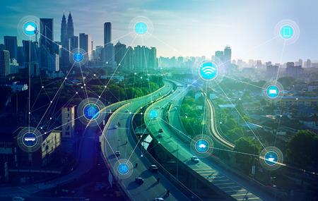 Smart City och trådlösa kommunikationsnätet, abstrakt bild visuell, internet of things Stockfoto