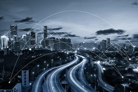 Blauwe tint stad scape en de netwerkverbinding concept van Image ID: 411942079 Stockfoto - 59063973